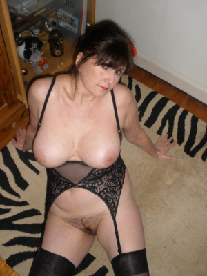 heels mature cougar escort