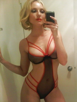 Blonde babe into sexting
