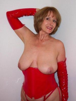Mature Women London and the UK wanting nsa fun