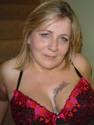 Check out older women wanting younger men