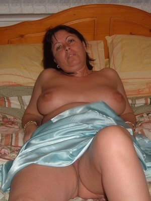 Marriedwoman, 40 from West Yorkshire | XXX Sex Contacts