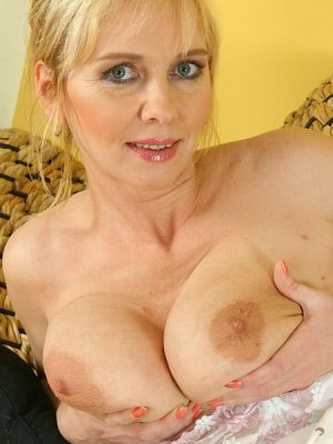 Leela, 52 from Staffordshire | XXX Sex Contacts