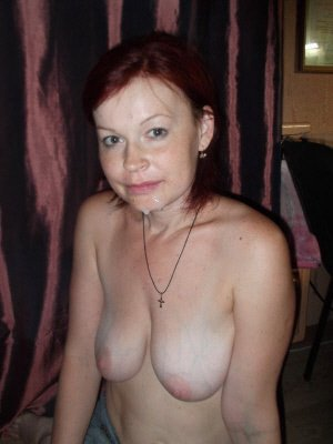 xxxsexcontacts horny redhead looking for adult fun