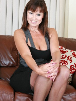 Greedygirl, 44 from Greater London | XXX Sex Contacts