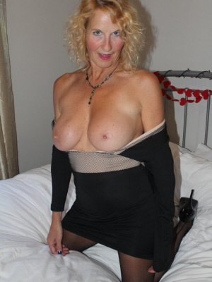 Cheryl2, 57 from East Sussex | XXX Sex Contacts