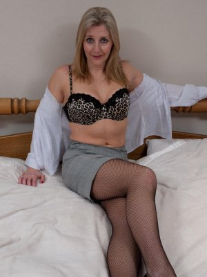 Erika49, 49 from Buckinghamshire | XXX Sex Contacts