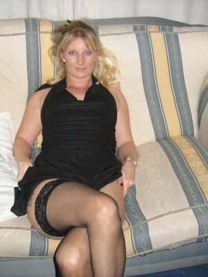 Lise36, 36 from Gloucestershire | XXX Sex Contacts