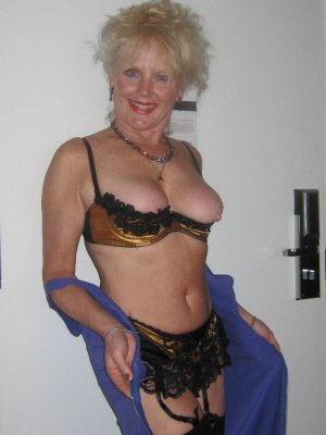 Hazel57, 57 from Greater London | XXX Sex Contacts