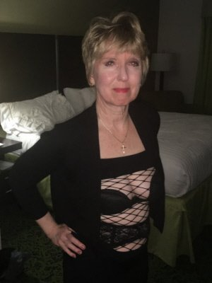 Gwen62, 62 from Greater London | XXX Sex Contacts