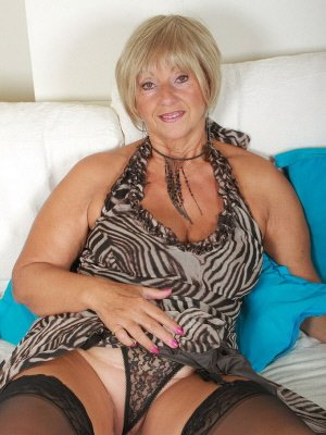 Brenda, 55 from Greater London | XXX Sex Contacts