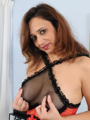 Violeta, 51 from Greater London | XXX Sex Contacts