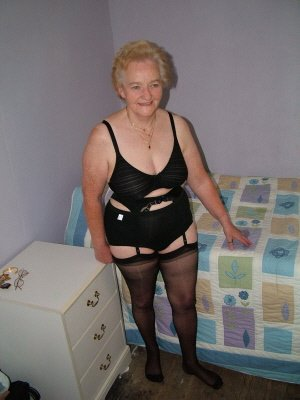 Margo86, 86 from Buckinghamshire | XXX Sex Contacts