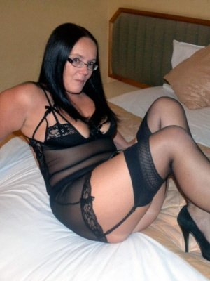 Dinah, 45 from Norfolk | XXX Sex Contacts