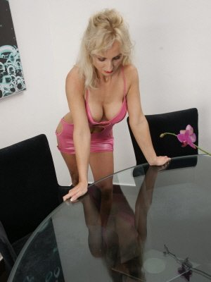 Sara46, 46 from Greater London | XXX Sex Contacts