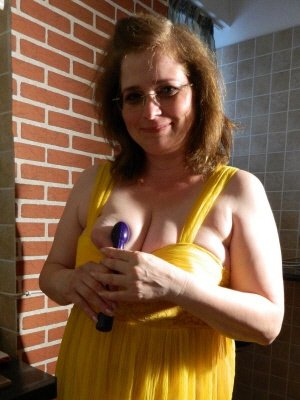Alison41, 41 from Wiltshire | XXX Sex Contacts