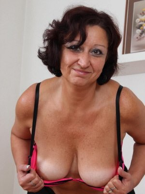 Tara62, 62 from Oxfordshire | XXX Sex Contacts