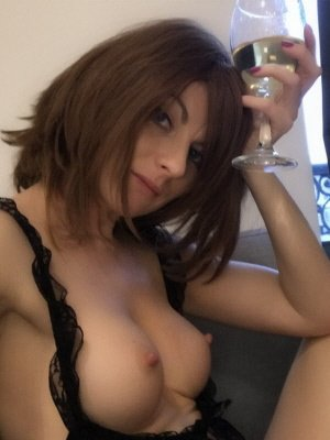 Sophia32, 32 from Kent | XXX Sex Contacts