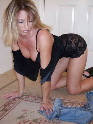 Carly28, 28 from Greater London | XXX Sex Contacts