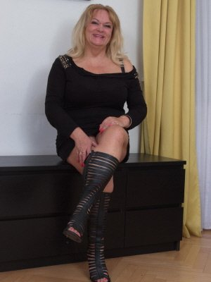 Annabelle, 50 from Bristol | XXX Sex Contacts