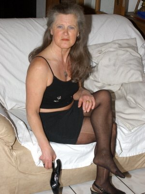 Yvonne72, 72 from Kent | XXX Sex Contacts