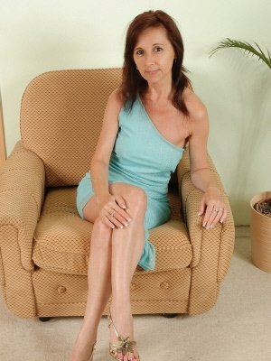 Celine52, 52 from Oxfordshire | XXX Sex Contacts