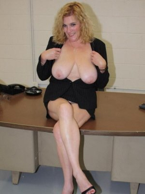 Gloria48, 48 from City of Glasgow | XXX Sex Contacts