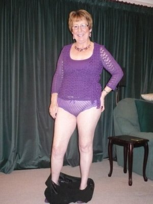 Karen62, 63 from Bedfordshire | XXX Sex Contacts