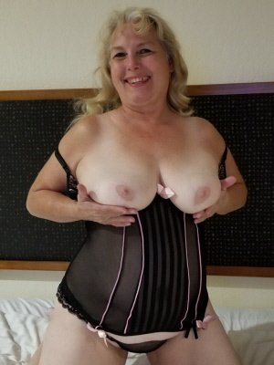 Sandra53, 53 from Kent | XXX Sex Contacts
