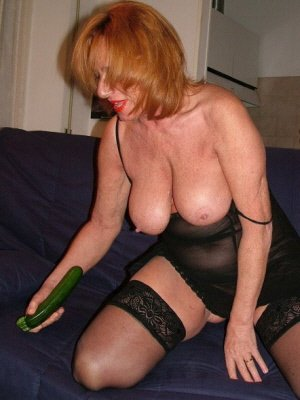Angie62, 62 from Bedfordshire | XXX Sex Contacts