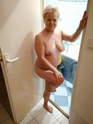 Dolly64, 64 from Devon | XXX Sex Contacts