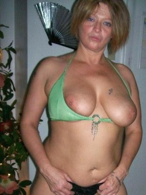 Gayle33, 33 from Lancashire | XXX Sex Contacts