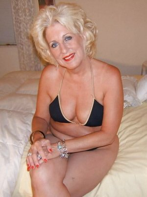 Victoria59, 59 from Buckinghamshire | XXX Sex Contacts