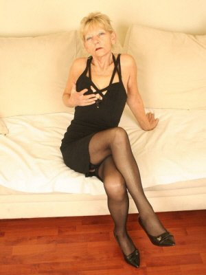 Dalia61, 61 from Greater Manchester | XXX Sex Contacts
