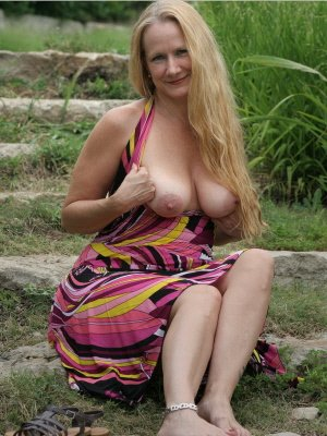 Mary56, 56 from Bristol | XXX Sex Contacts