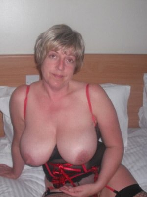 Victoria47, 47 from Lancashire | XXX Sex Contacts