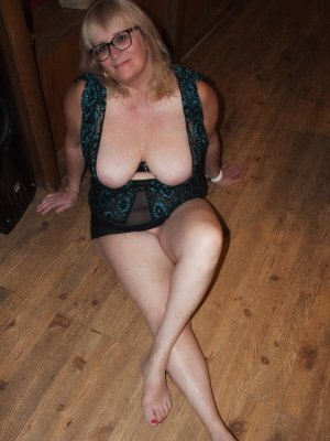 Bernice, 57 from West Sussex | XXX Sex Contacts