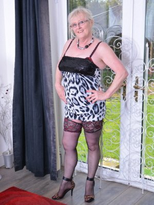 Carol76, 76 from Greater London | XXX Sex Contacts
