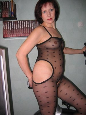 Isla47, 47 from South Glamorgan | XXX Sex Contacts