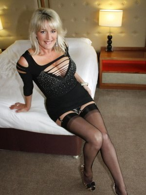 Brigitte56, 56 from Greater London | XXX Sex Contacts