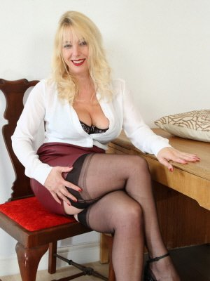 Lara46, 46 from Dorset | XXX Sex Contacts