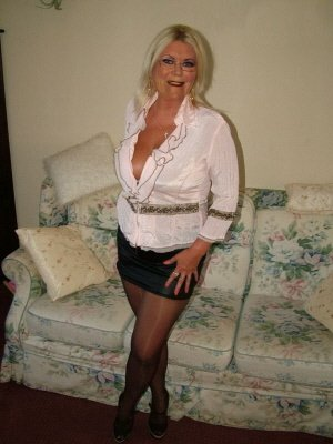 Maggie62, 62 from West Sussex | XXX Sex Contacts