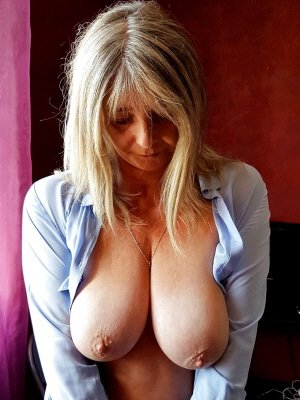 Joy54, 54 from Kent | XXX Sex Contacts